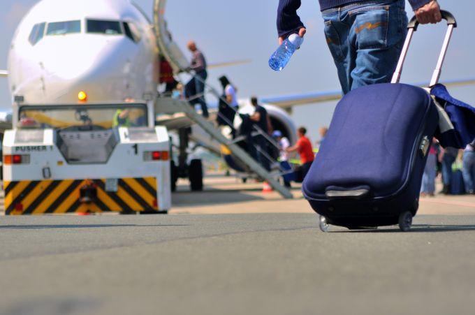 Jak lecieć tanio na wakacje samolotem?