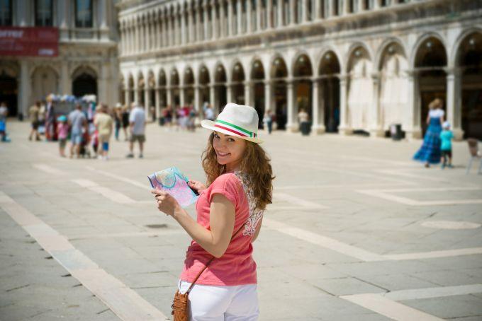 Kiedy najlepiej rezerwować bilety lotnicze na wakacje?