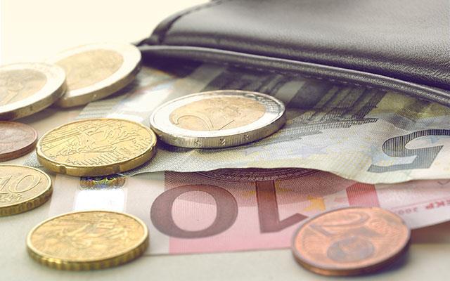Pot plăti biletele în Euro?