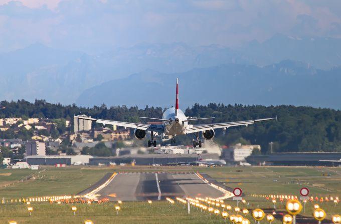 Strajk linii lotniczych. Co przysługuje pasażerowi?