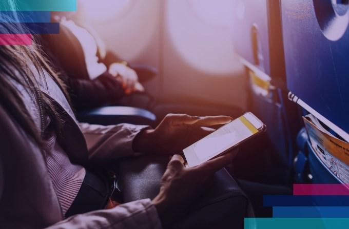 LOT wprowadza bezpłatną e-prasę dla wszystkich pasażerów
