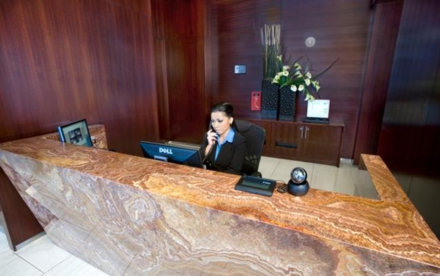 Procesul de check-out la hotel