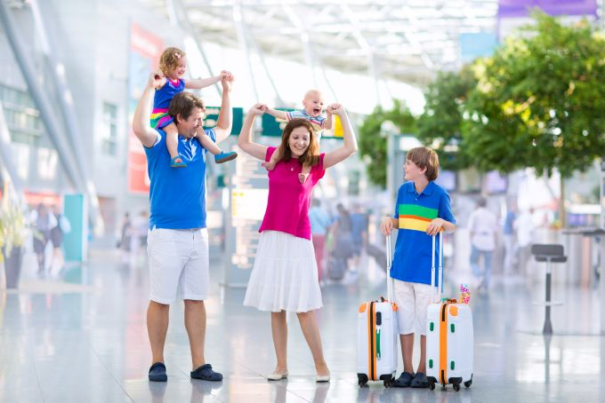 De ce documente am nevoie pentru a călători cu un copil cu avionul?