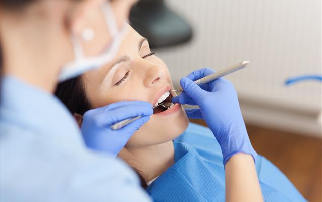Lze letět letadlem po odstranění zubu?