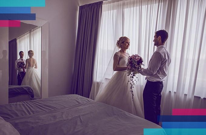 Nowożeńcy w hotelu