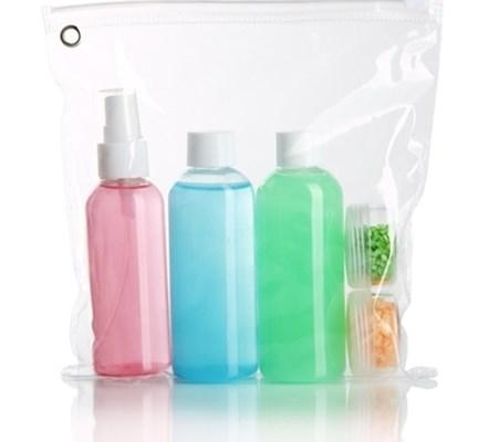 Pungile de plastic pentru transportul lichidelor în bagajul de mână. Care sunt potrivite și cum se folosesc?