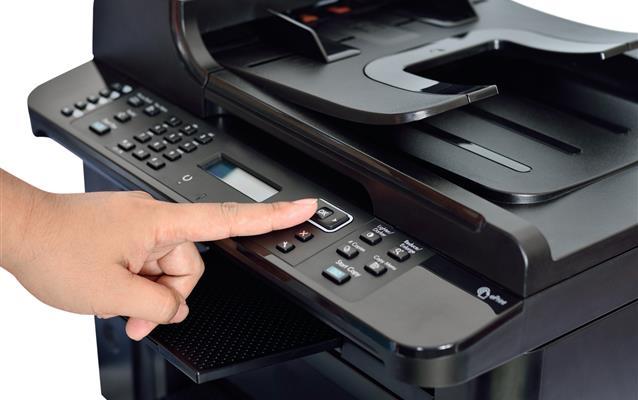 Biletul de avion poate fi tipărit alb-negru?