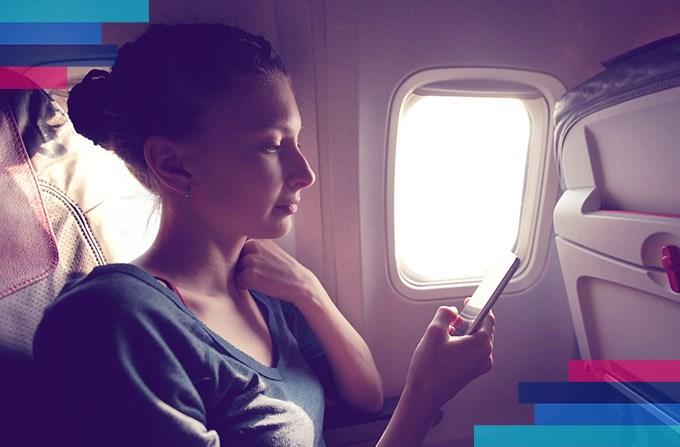 Używanie telefonu w samolocie. Czy można?