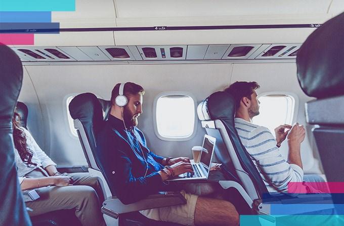 Wifi w samolocie. Która linia oferuje na pokładzie internet?